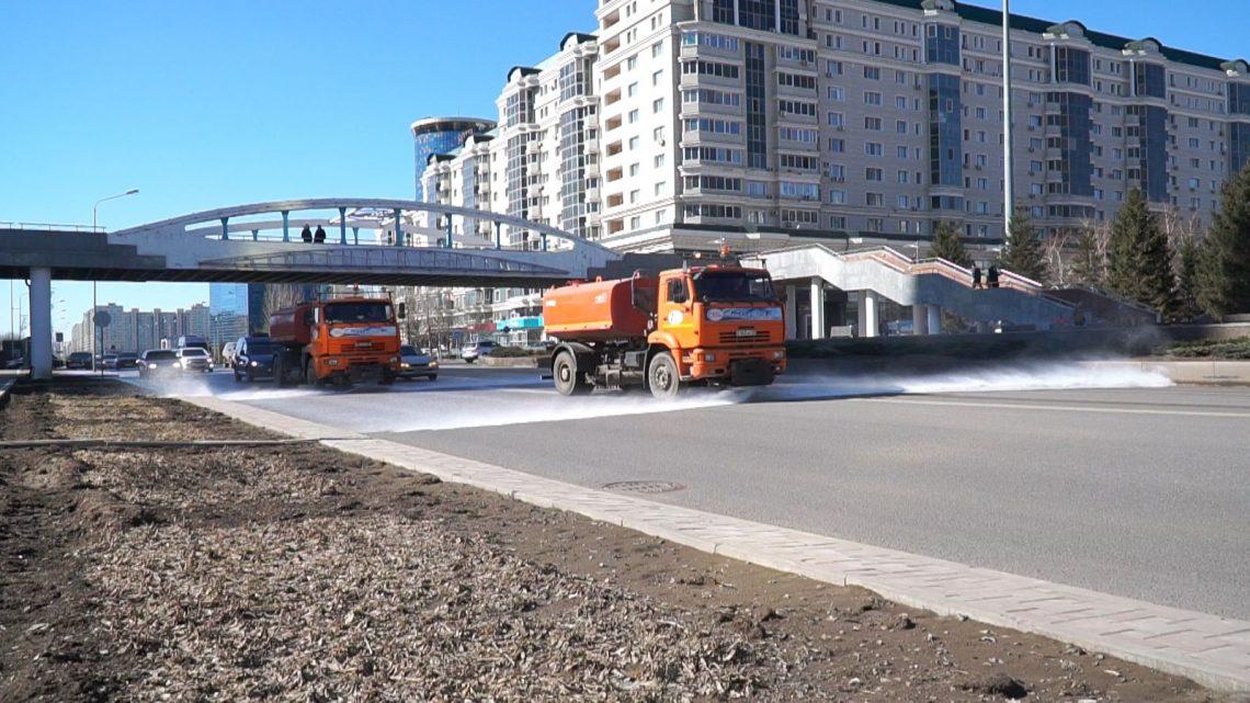 Впервые столичные дороги моют шампунем для дорожного покрытия.